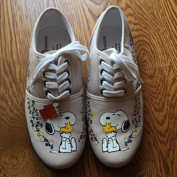 b3fc2c5ced bradford exchange Shoes - Bradford exchange wearable art snoopy sneakers
